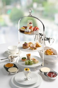 A_Royal_Afternoon_Tea_Set_-_Mandarin_Oriental_Hong_Kong__High_Res.